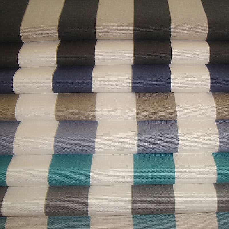 tissu ameublement rennes tissu de coton de nol faon lin fond rouge aux chalets moulins et. Black Bedroom Furniture Sets. Home Design Ideas