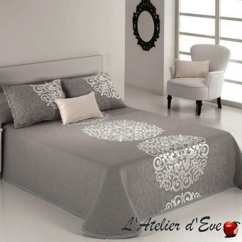 Presley baroque inspired bedspread reig marti for Lit queen size taille