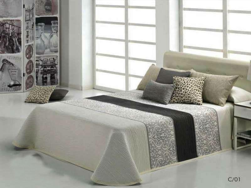 cameron reig marti couvre lit chic et l gant pour votre chambre. Black Bedroom Furniture Sets. Home Design Ideas