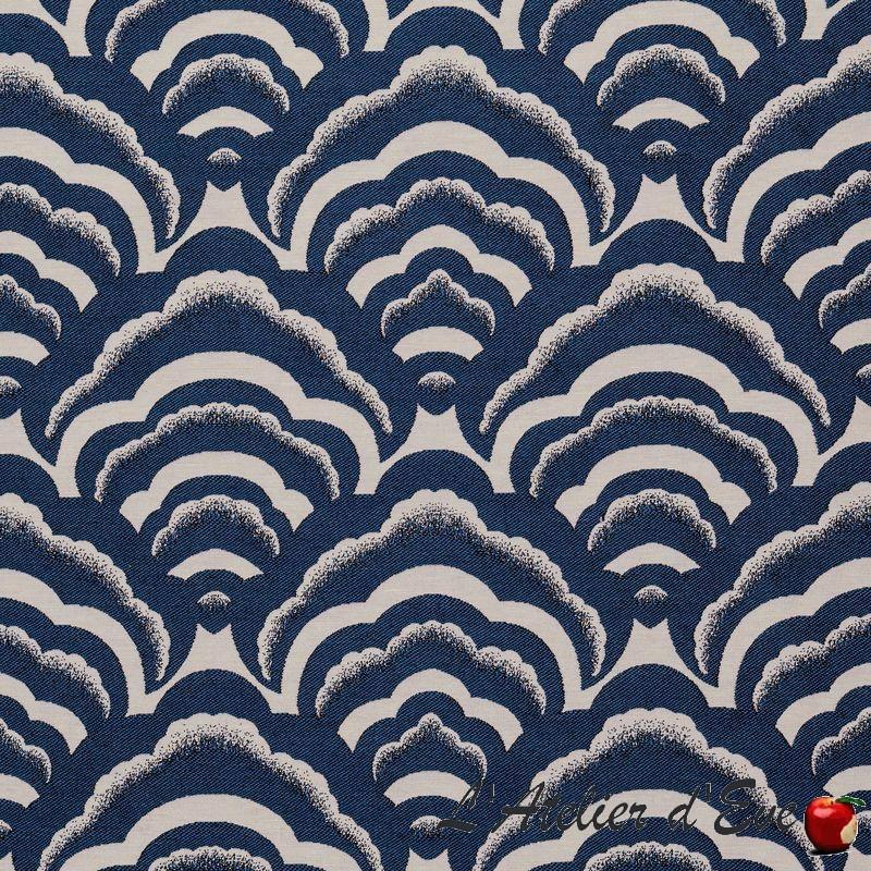 """Osaka"" Tissu bleu jacquard graphique Thevenon/Ink Fabrik"
