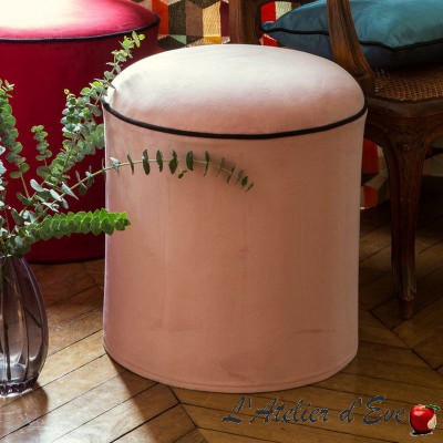 """Sweet love"" Pouf rose rond avec passepoil Thevenon"