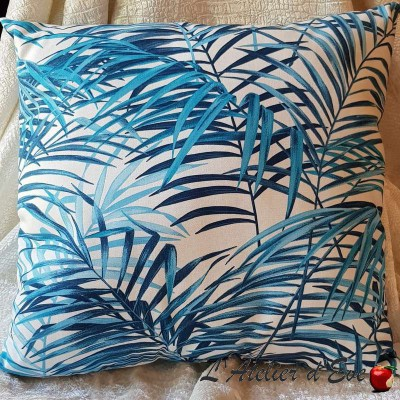 Coussin Made in France tissu ameublement Thevenon Palm springs bleu