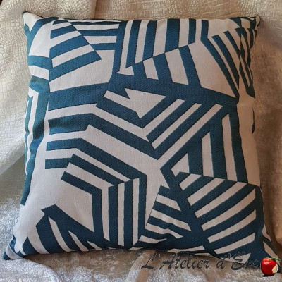 Coussin Made in France tissu Arkane lagon Thevenon