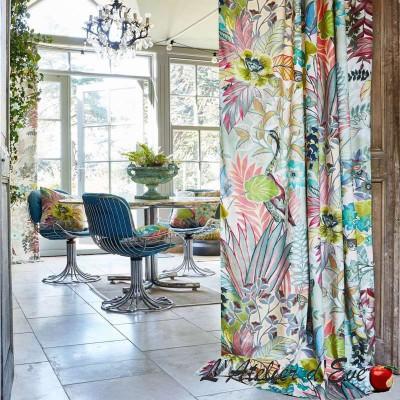 """Hidden Paradise"" Tissu velours fleuri ameublement Prestigious Textiles"