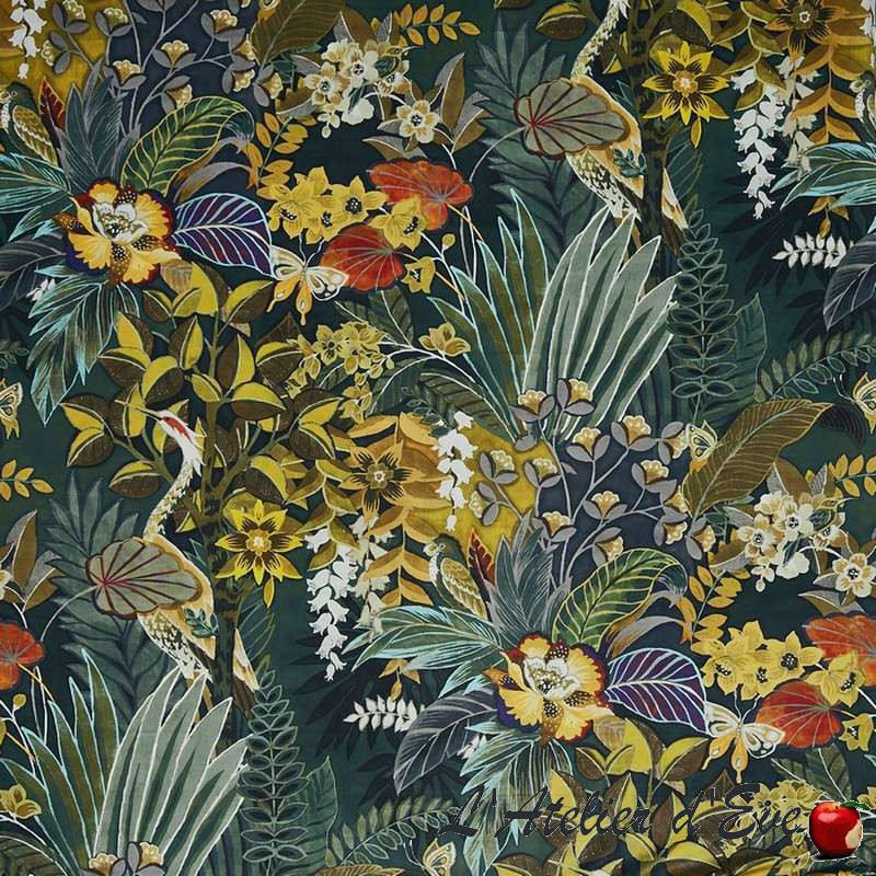 """""""Hidden Paradise"""" emerald Tissu velours fleuri ameublement Prestigious Textiles"""