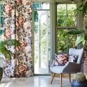 """""""Secret Oasis"""" Tissu velours fleuri ameublement Journey Beyond Prestigious Textiles"""