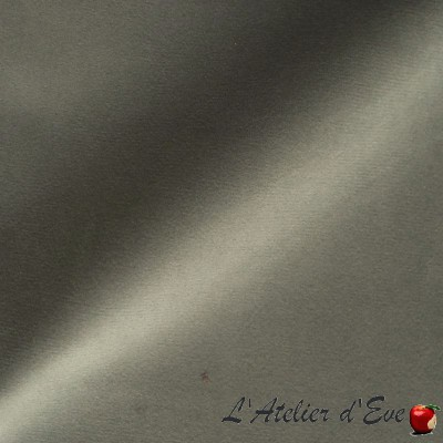 """""""Confidence"""" Cloudy gray Coupon 110x65cm Thevenon embroidered fabric"""