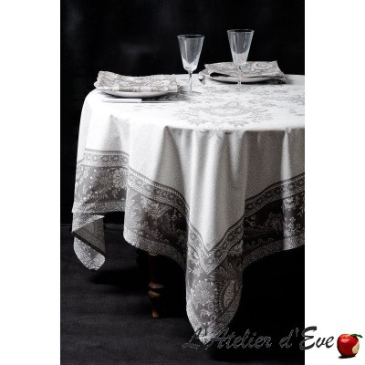 """Haveli taupe"" Nappe de table carrée 160x160cm coton provençal Valdrôme Made in France"