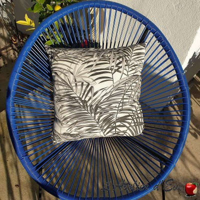 Coussin Made in France tissu ameublement Thevenon Palm springs gris