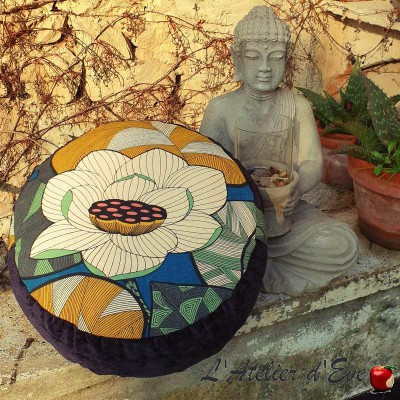 """Zafu"" Black Lotus Meditation cushion Made in France L'Atelier d'Eve"