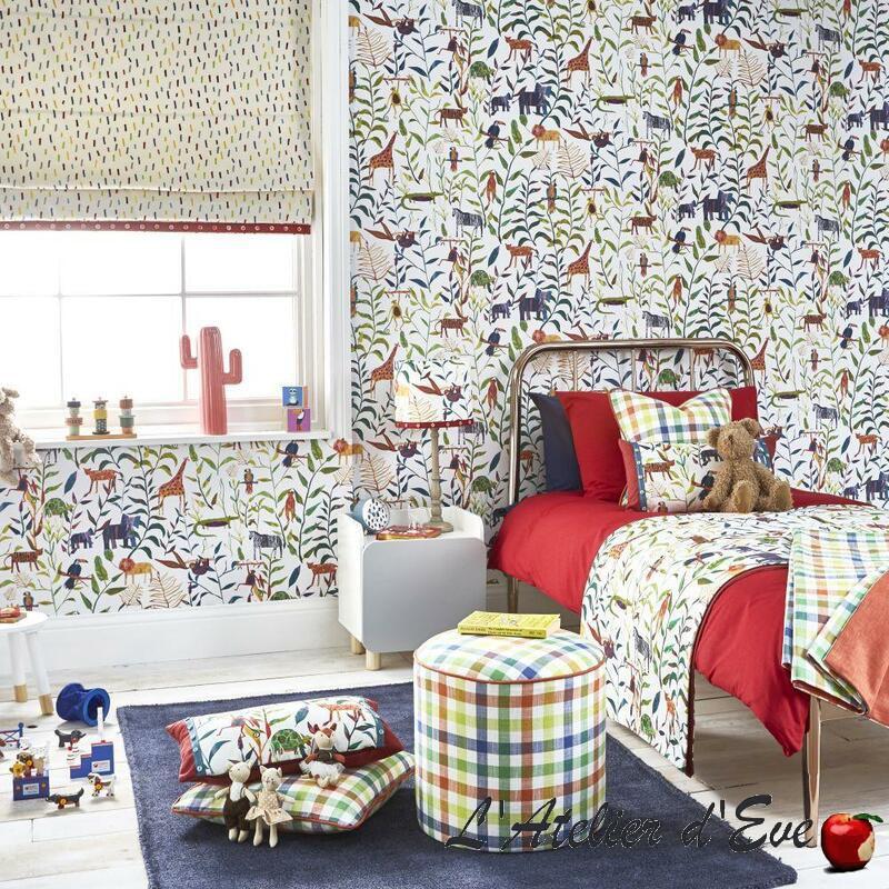 """Chambre avec papier peint jungle et animaux """"Peek a boo"""" Prestigious Textiles"""