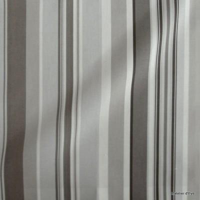 Manon Rideau a oeillets pret a poser bachette coton rayures taupe fond brouillard 1421611 le rideau