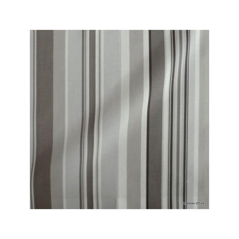 manon-rideau-a-oeillets-pret-a-poser-bachette-coton-rayures-taupe-fond-brouillard-1421611-le-rideau