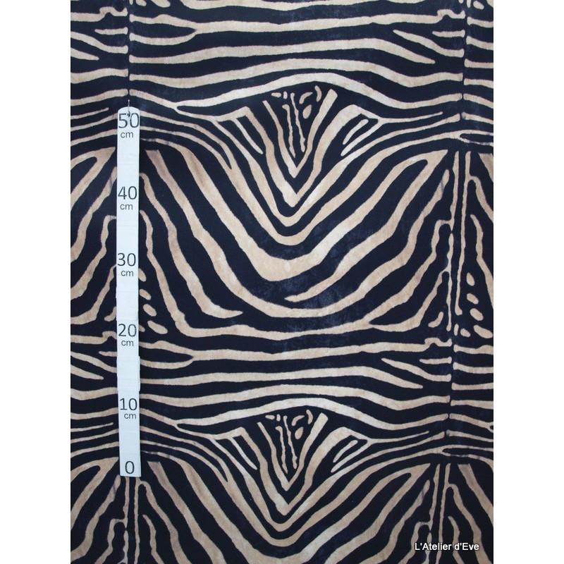zebre-tissu-pour-nappe-microfibre-imitation-peau-de-bete-l148cm-alex-tissus-a103-23