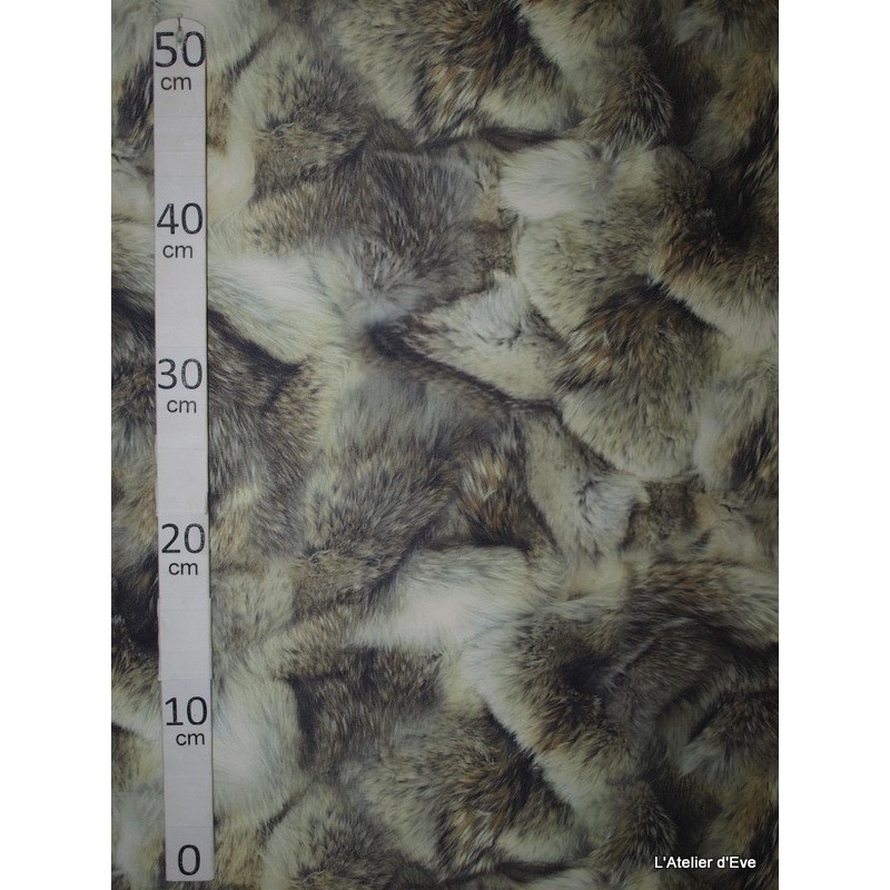Loup Tissu pour nappe microfibre imitation peau de bete L.148cm Alex tissus A103-24