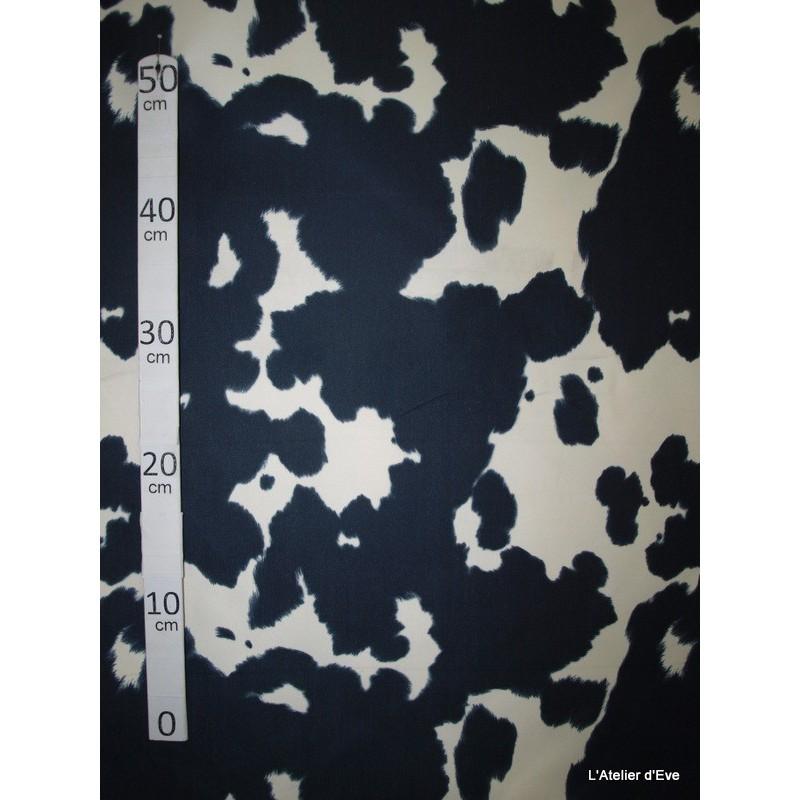 Vache grise Tissu pour nappe microfibre imitation peau de bete L.148cm Alex tissus A103-32