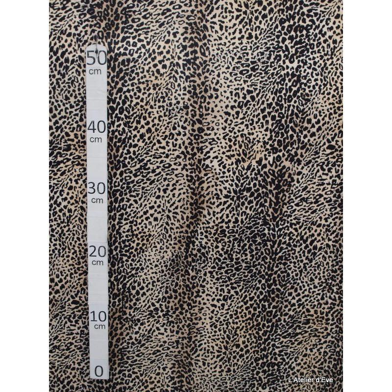 leopard-creme-tissu-pour-nappe-microfibre-imitation-peau-de-bete-l148cm-alex-tissus-a103-34