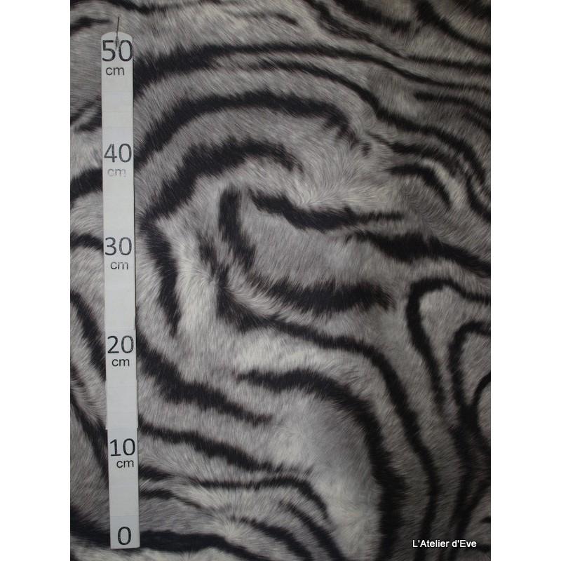 tigre-de-siberie-tissu-pour-nappe-microfibre-imitation-peau-de-bete-l148cm-alex-tissus-a103-21