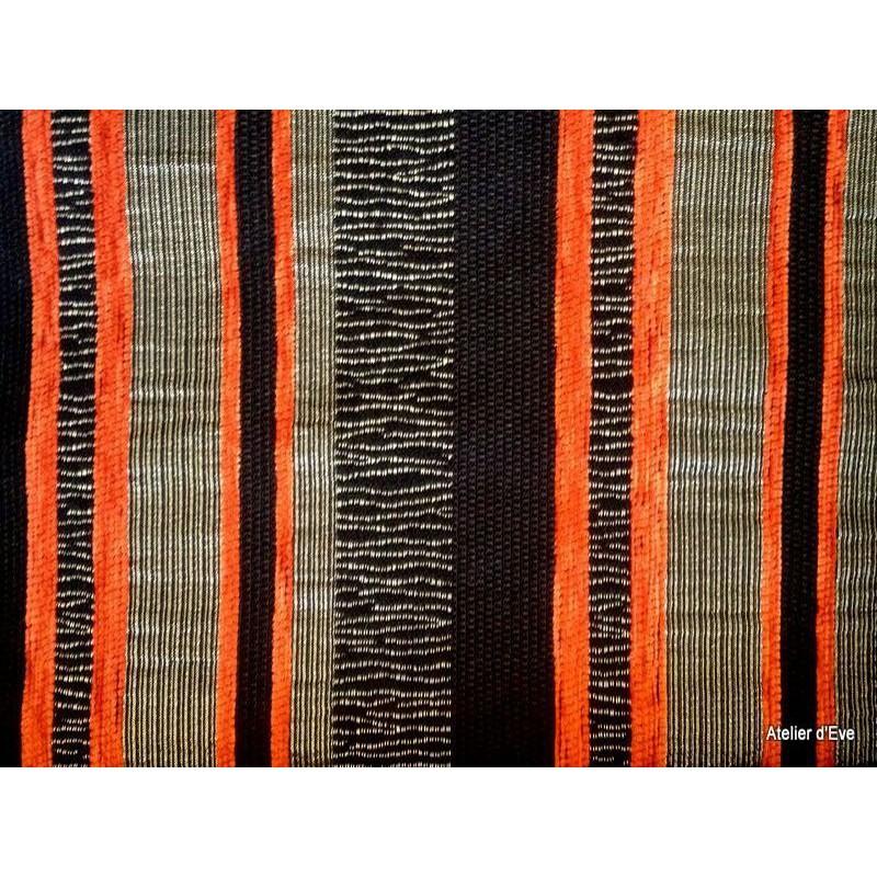 carrara tissu ameublement rayures rouilles fond noir alex tissus le metre. Black Bedroom Furniture Sets. Home Design Ideas