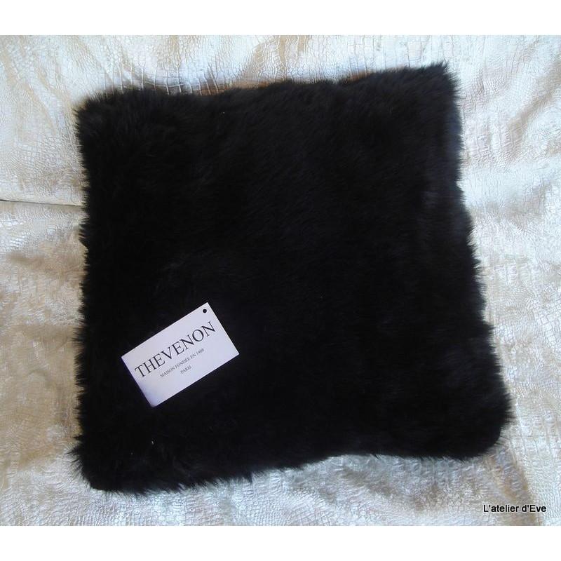 Housse de coussin fausse fourrure vison noir 45x45cm thevenon - Housse de coussin fausse fourrure ...