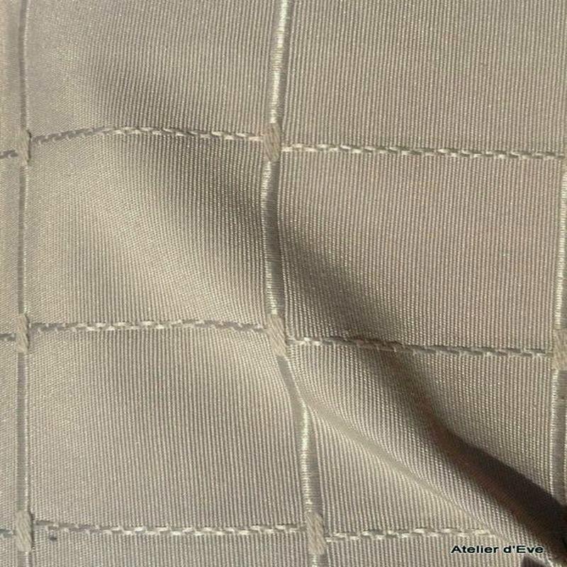 Isis vison tissu ameublement jacquard uni grande largeur pour nappes par Thevenon Paris