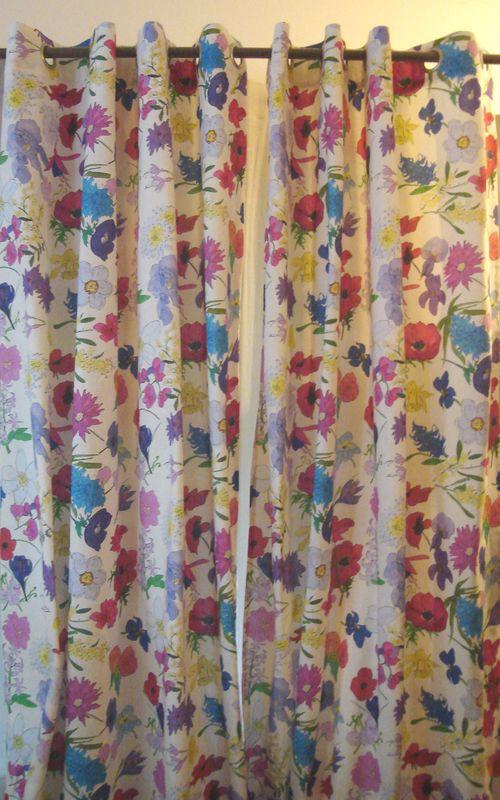 rideau blooming rideau oeillets sur mesure au meilleur prix. Black Bedroom Furniture Sets. Home Design Ideas