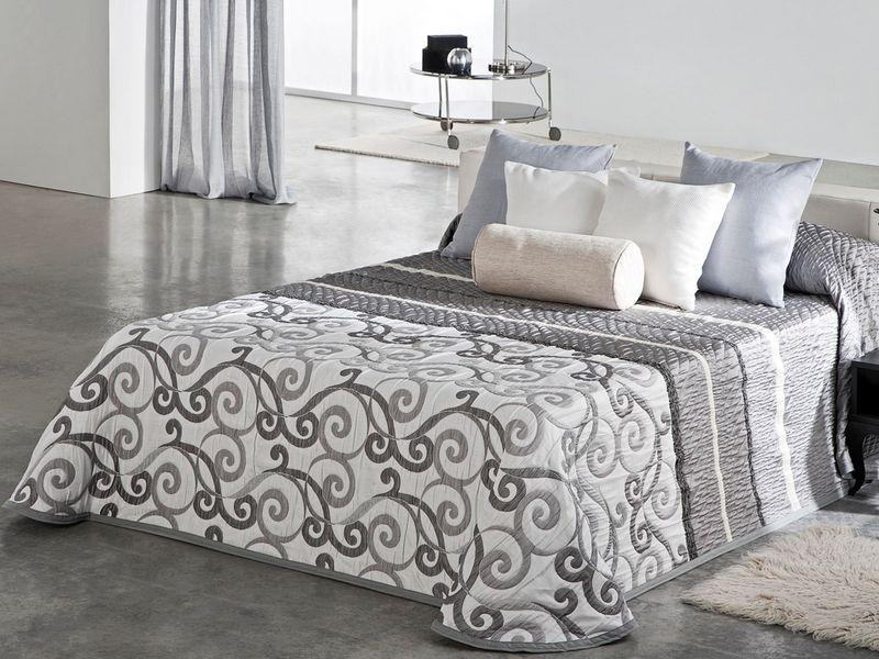 couvre lit pas cher dessus de lit pas cher reig marti. Black Bedroom Furniture Sets. Home Design Ideas